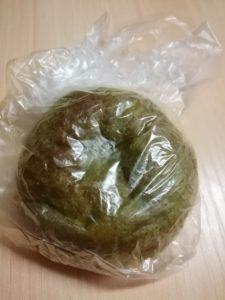 緑茶のクリームパン